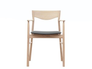 Magrethe armchair in oak