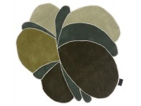 Hand tufted Obi Greens rug. Large